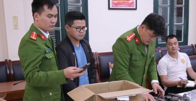 Kẻ buôn vũ khí từ Trung Quốc về Hà Nội bị bắt - VnExpress