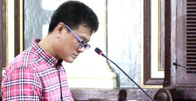 Cán bộ hải quan TP HCM nhận hơn 60 phong bì hầu tòa