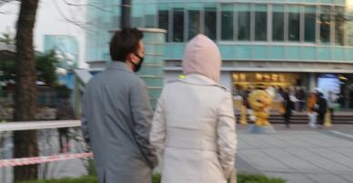 Rò rỉ hình ảnh Soobin Hoàng Sơn và bạn gái tin đồn đi chơi cùng nhau tại Hàn Quốc?