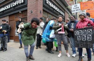 Bị cáo buộc phân biệt chủng tộc, Starbucks đóng cửa hơn 8,000 cửa hàng để nhân viên đi tập huấn