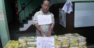 Bộ đội biên phòng mật phục bắt kẻ vận chuyển 40 kg ma tuý đá