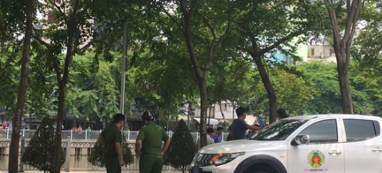 Nhân chứng vụ cô giáo bị đồng nghiệp đâm tử vong ở Sài Gòn: Nam thanh niên chạy SH, ép xe cô gái rồi rút hung khí đâm liên tiếp