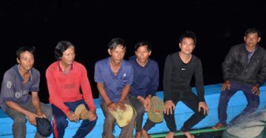 Tàu cá Quảng Ngãi bị hai tàu nước ngoài đâm chìm - VnExpress