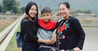 Nữ Giám đốc làm mẹ đơn thân tiếp tục gây bão MXH khi chia sẻ quan điểm: Sự nuông chiều của cha mẹ tạo nên những đứa con vô ơn