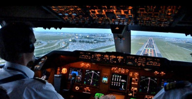 Vì sao phi công kỳ cựu vẫn có thể hạ cánh nhầm?