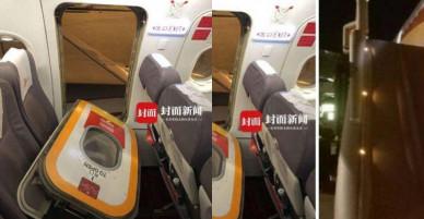 Chuyến bay gặp sự cố vì hành khách mở cửa thoát hiểm… hít khí trời