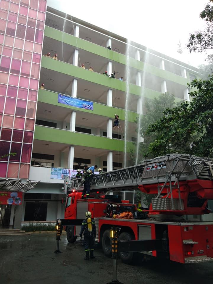 Đại học Bách Khoa, chữa cháy, PCCC, dập lửa, tin8