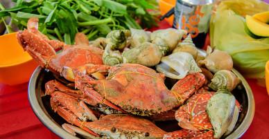 Đến Đảo Hải Tặc để đắm mình trong làn nước mát lành và thưởng thức hải sản thả ga mà giá rẻ bèo