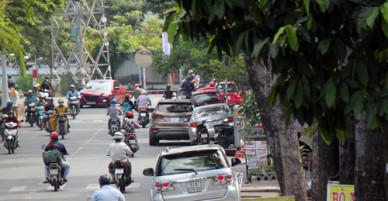 Phó Ban ATGT TP HCM: Vỉa hè bị chiếm có thể do bảo kê
