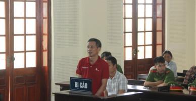 Người đàn ông U50 bất ngờ thay đổi lời khai tại tòa vì sợ bị tử hình