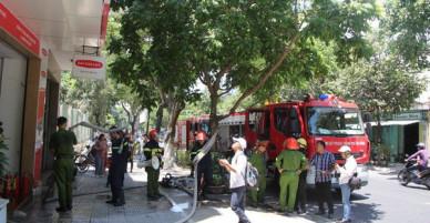 Cháy công ty bảo hiểm ở Đà Nẵng, 1 thai phụ leo từ tầng 4 qua nhà bên cạnh để thoát thân