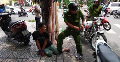 Nữ du khách 21 tuổi bị giật túi xách giữa trung tâm Sài Gòn