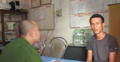 Đà Nẵng: Nam thanh niên đánh giày rong tự ý bẻ giày của khách rồi hét giá cao gấp 5 lần