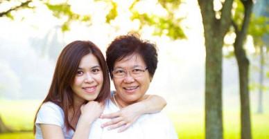 Bí quyết chinh phục mẹ chồng khó tính coi con dâu như con gái