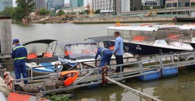 Cần thủ vứt câu bỏ chạy khi thấy thi thể nam giới trôi trên sông Sài Gòn