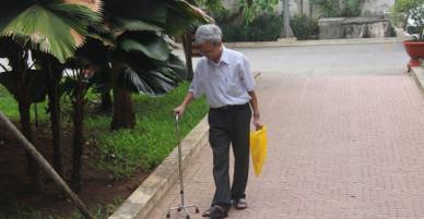 Luật sư Nguyễn Khắc Thủy cho biết đã nhận bản án 3 năm tù giam của giám đốc thẩm nhưng sức khỏe ông Thủy đang rất yếu