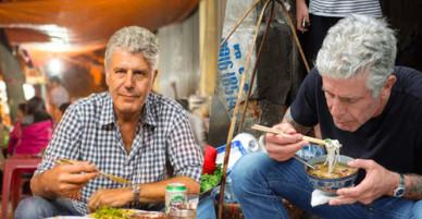Đầu bếp Anthony Bourdain nặng lòng với ẩm thực Việt