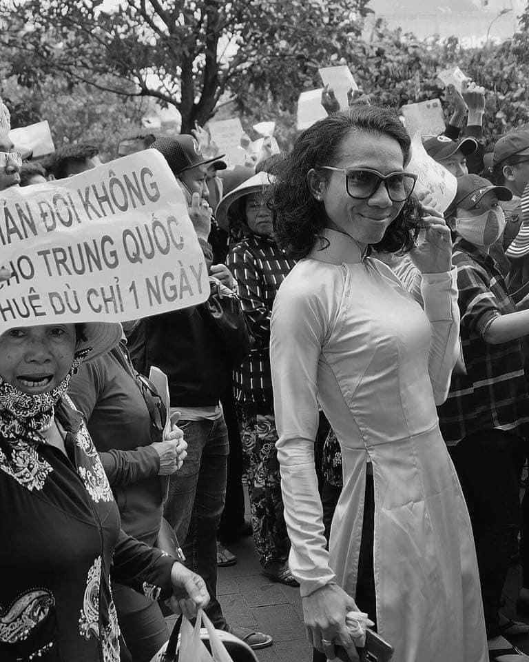 tin8, biểu tình, 99 năm, đặc khu, trung quốc