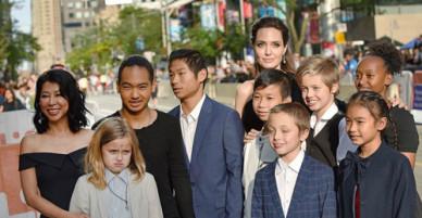 Angelina Jolie có nguy cơ mất quyền nuôi con vào tay Brad Pitt