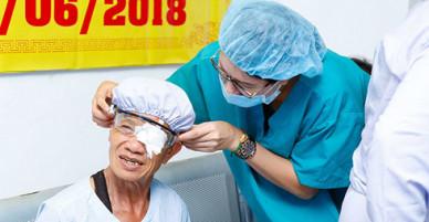 Trang Trần góp 170 triệu đồng mổ mắt miễn phí cho người nghèo