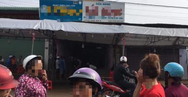 Đồng Nai: Con trai đau đớn khóc trong ngây dại khi bất lực nhìn cha mẹ bị nam thanh niên đâm chết tại nhà