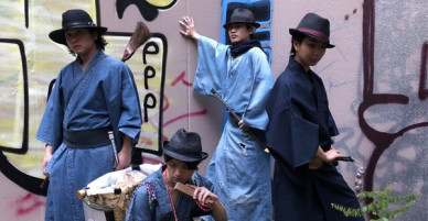 Những chàng Samurai nhặt rác trên đường phố Nhật: Dọn dẹp thì ít múa may thì nhiều nhưng vẫn dễ thương phát ngất!