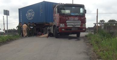 Nam thanh niên 19 tuổi chết thảm dưới bánh xe container ở Sài Gòn