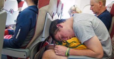 15 điều sai lầm du khách thường làm trên chuyến bay