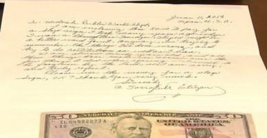 """Ăn trộm biển báo giao thông từ 75 năm trước, cụ ông gửi thư xin lỗi kèm tiền bồi thường cho lỗi lầm thời """"trẻ trâu"""""""