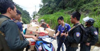 Cảnh sát kiểm tra gắt gao đường vào thung lũng ma túy Tà Dê