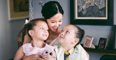 Hồng Nhung: Tôi chăm con, cắm hoa, hát để quên nỗi buồn ly hôn