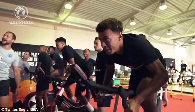 phục hồi, thể lực, sức khỏe, tin8, hình ảnh, đạp xe, bơi lội, phòng lạnh, Việt Nam, World Cup, World Cup 2018