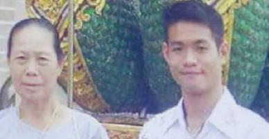 Huấn luyện viên đội bóng nhí Thái Lan mồ côi năm 10 tuổi