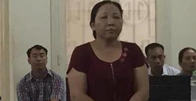 Người đàn bà dùng gạch choảng mẻ đầu hàng xóm, ra tòa nói bị oan