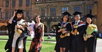 Sợ Trung Quốc, Australia cấm cửa thực tập sinh nước ngoài