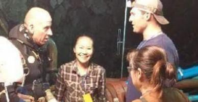 Tình yêu đẹp giữa nữ y tá Thái Lan với thợ lặn nước ngoài cùng nhau giải cứu 12 cầu thủ nhí