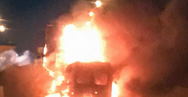 Vụ hai ôtô cháy trên cao tốc Long Thành: Xe container đang đậu sửa chữa