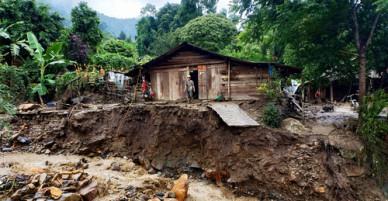 Nhiều bản làng ở Mù Cang Chải tan hoang do mưa lũ