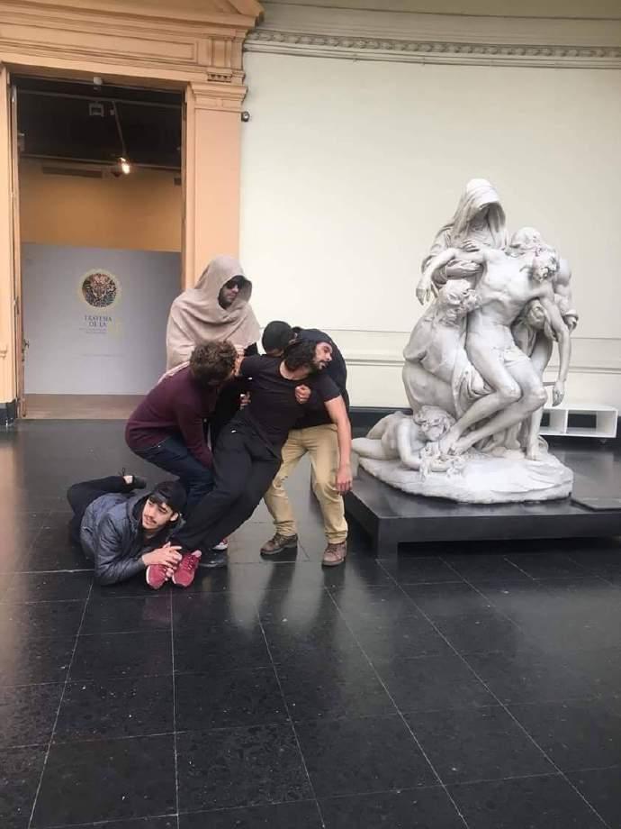 nhạt nhẽo, bức tượng, tin8, hài hước, tranh ảnh