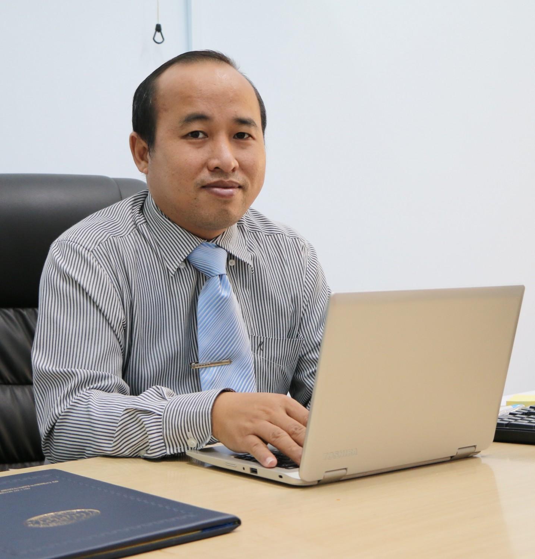 Hiệu trưởng, trường Đại học, HUFLIT, trường Đại học Ngoại ngữ và Tin học, miễn nhiệm, Trần Quang Nam, tin8