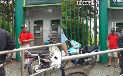 kẻ gian, xát ớt, ATM, cướp tiền, trắng trợn, tin8