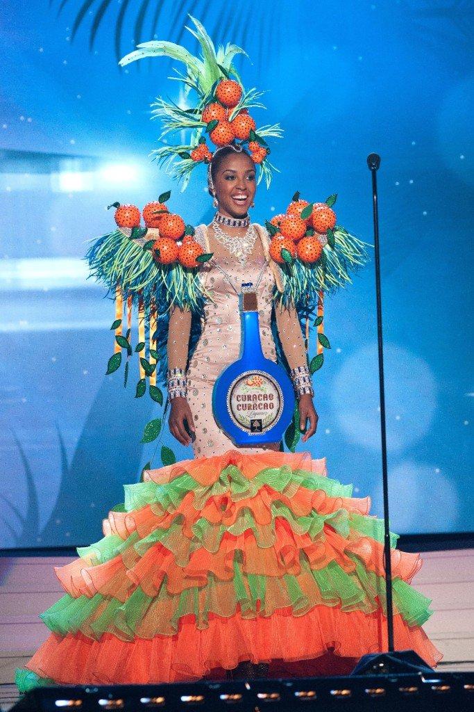 trang phục truyền thống, người đẹp, người mẫu, cuộc thi, tin8, hoa hậu hoàng vũ, hài hước