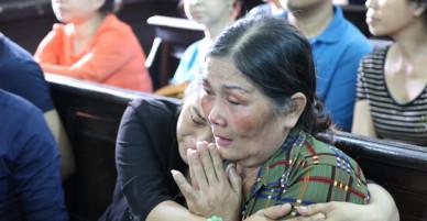 Mẹ tử tù Vũ Văn Tiến vẫn cố chạy đua với tử thần mong giành cơ hội sống cuối cùng cho con
