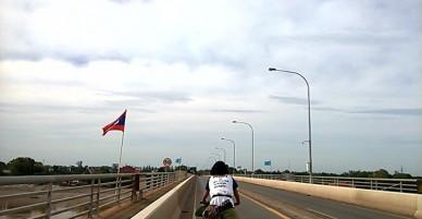 Cô gái trẻ người Việt đi xuyên biên giới 4 nước bằng xe đạp