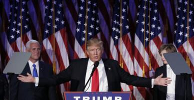 Vì sao chiếc cà vạt màu đỏ góp phần giúp Donald Trump đắc cử Tổng thống?