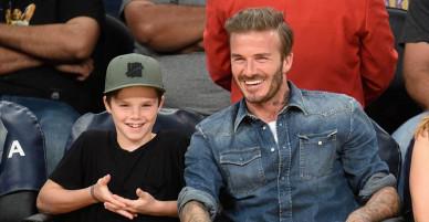 """Con trai Beckham về chung """"nhà"""" với Justin Bieber, tung single đầu tay"""
