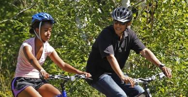 Cách xử trí của gia đình Obama khi con gái yêu sớm