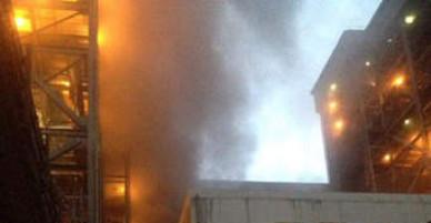 Cháy lớn dữ dội tại công ty mút xốp giữa Sài Gòn khiến công nhân tháo chạy