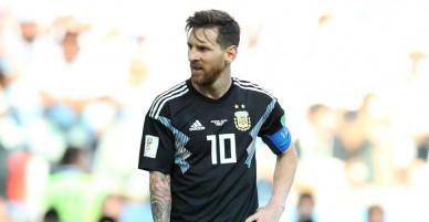 Trong khi đối thủ Ronaldo đang tỏa sáng rực rỡ thì Messi đang làm gì để lấy lại phong độ cho trận đấu quan trọng tối nay?