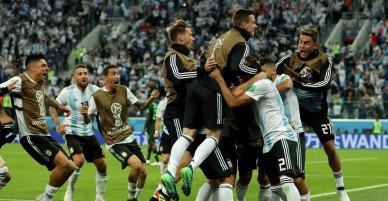 Video tổng hợp: Những phút thi đấu nghẹt thở trong bảng D World Cup 2018